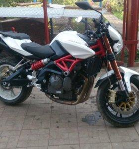 Мотоцикл Benelli 600 2012