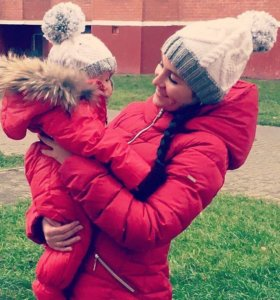 Шапочки в стиле familylook для мамы и дочки