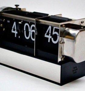 Настольные часы с перекидным циферблатом