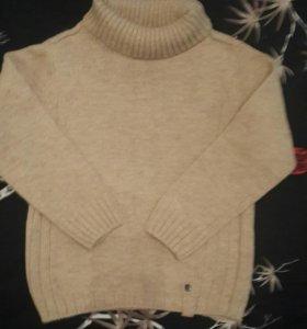 Продам теплый свитер на мальчика