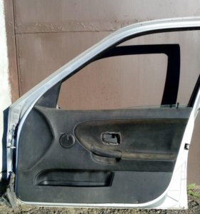 Дверь передняя правая BMW 3 e36 97г.