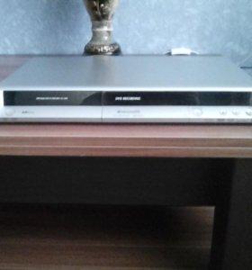 DVD проигрыватель Panasonik. Записывающий.