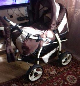 Продается детская коляска-трансформер.