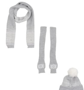 Новый комплект шапка митенки шарф.