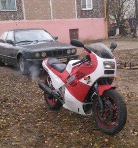 Мотоцикл suzuki GSXR-400