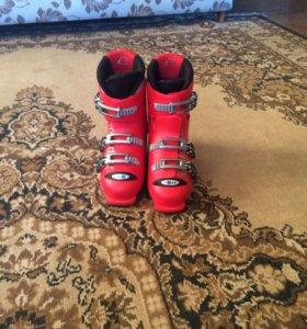 Горнолыжные детские ботинки