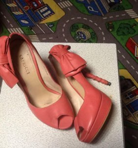 Туфли Капричи 36 размер