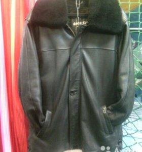 Кожанная куртка зима-осень