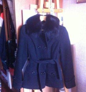 Зимнее пальто с мехом БУ 42-44