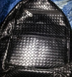 рюкзак( если купите с 23-25 отдам за 800)
