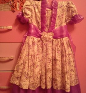 Два платья и сарафанчик на девочку 1-3 года