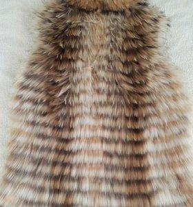 Жилетка из натурального меха(енот)