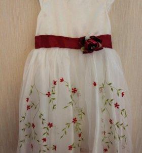 Платье новое 5,6,7 лет
