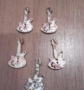 Деревянные пуговицы гитара