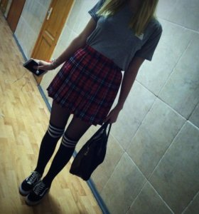 чулки и юбка