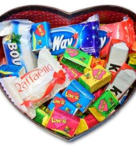 Сладкие подарочные наборы в сердцах