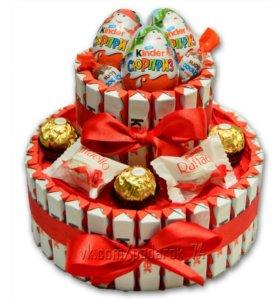 Большой сладкий торт из Киндер