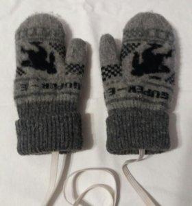 Детские варежки и носки