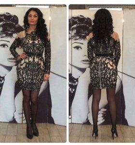 Платья Valentino