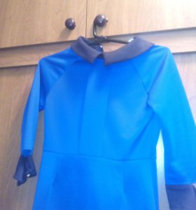 Продам красивое синие платье.