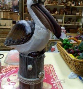 Фигурка пеликана