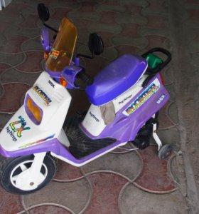 Детский мотоцикл на аккумуляторе Peg-Perego