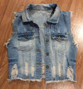 Желет джинсовый