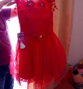 Платье,р-р xl,красивое