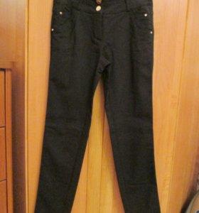 Продаются черные брюки