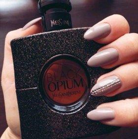 Black Opium от Yves Saint Laurent для женщин.