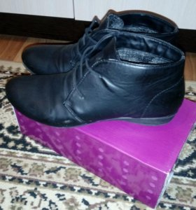 Продам б.у. ботиночки р39