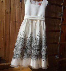 Праздничное платье р122-128