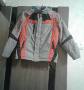 Куртка осенняя новая. Рост 146