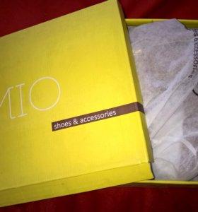 Зимние сапоги с мехом MIO с декоративной вставкой