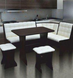 кухонный диван стол и табуреты