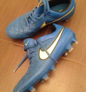 Бутсы кроссовки футбольные