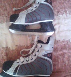 Хоккейнные коньки
