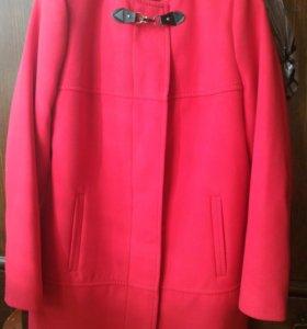 Пальто демисезон 48 размер. Новое.