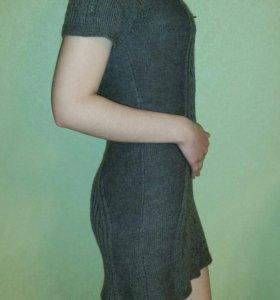 Вязаное шерстяное  платье