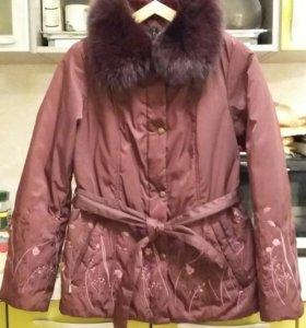 Куртка 44-46 воротник с натуральным мехом