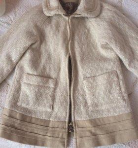 Продам пальто,в идеальном состоянии,размер 104-110