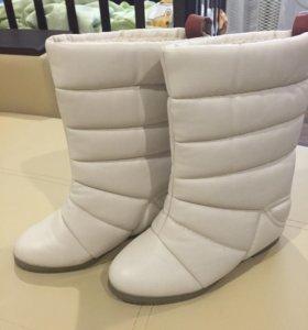 Зимние новые сапоги