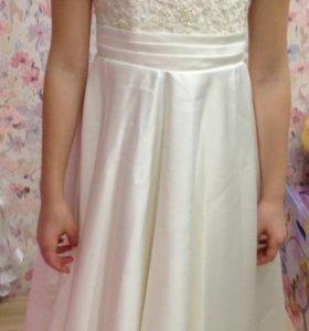 Нарядное Платье на девочку 8 -9 лет