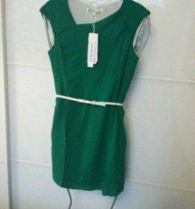 Новое платье изумрудного цвета