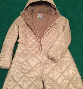 Демисезонное плащ-пальто  для девочки.