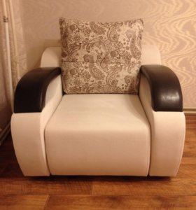 Новое кресло.