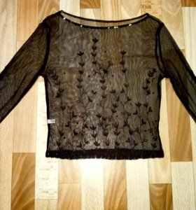 Блуза прозрачная с пайетками и бисером