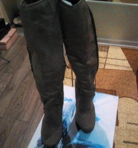 Новые зимние замшевые сапоги