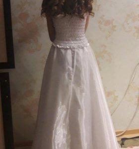 Праздничное платье  новое 9-12 лет рост 140