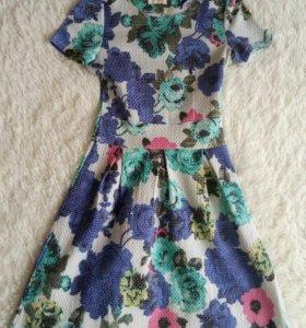 Платье на девочку 10-12 лет.